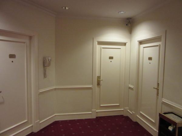 IMG_7779ホテルドア.jpg