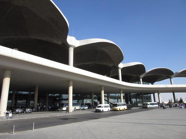 IMG_8330空港ターミナル.jpg